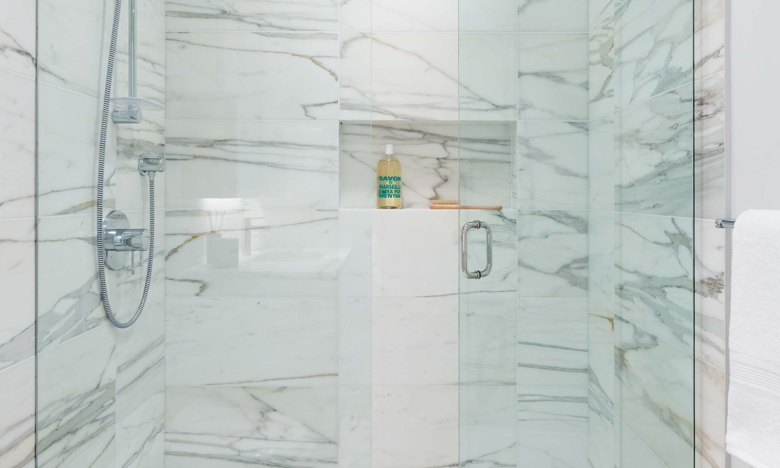 interior_0002_bath-2